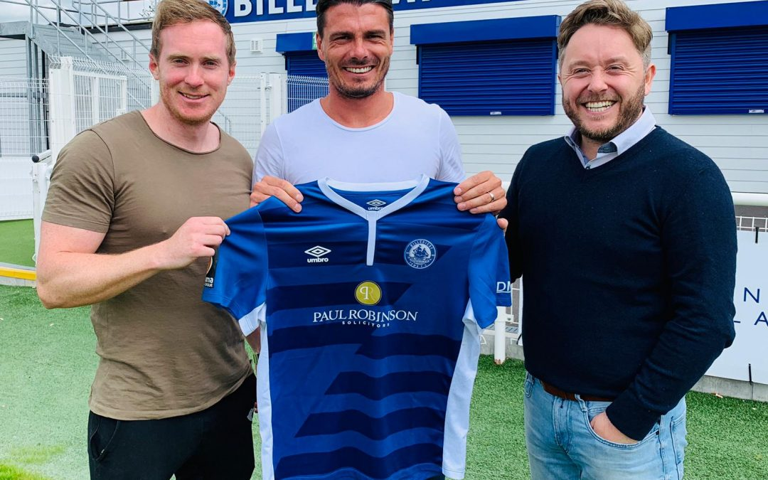Ronnie Henry signs for the Blues